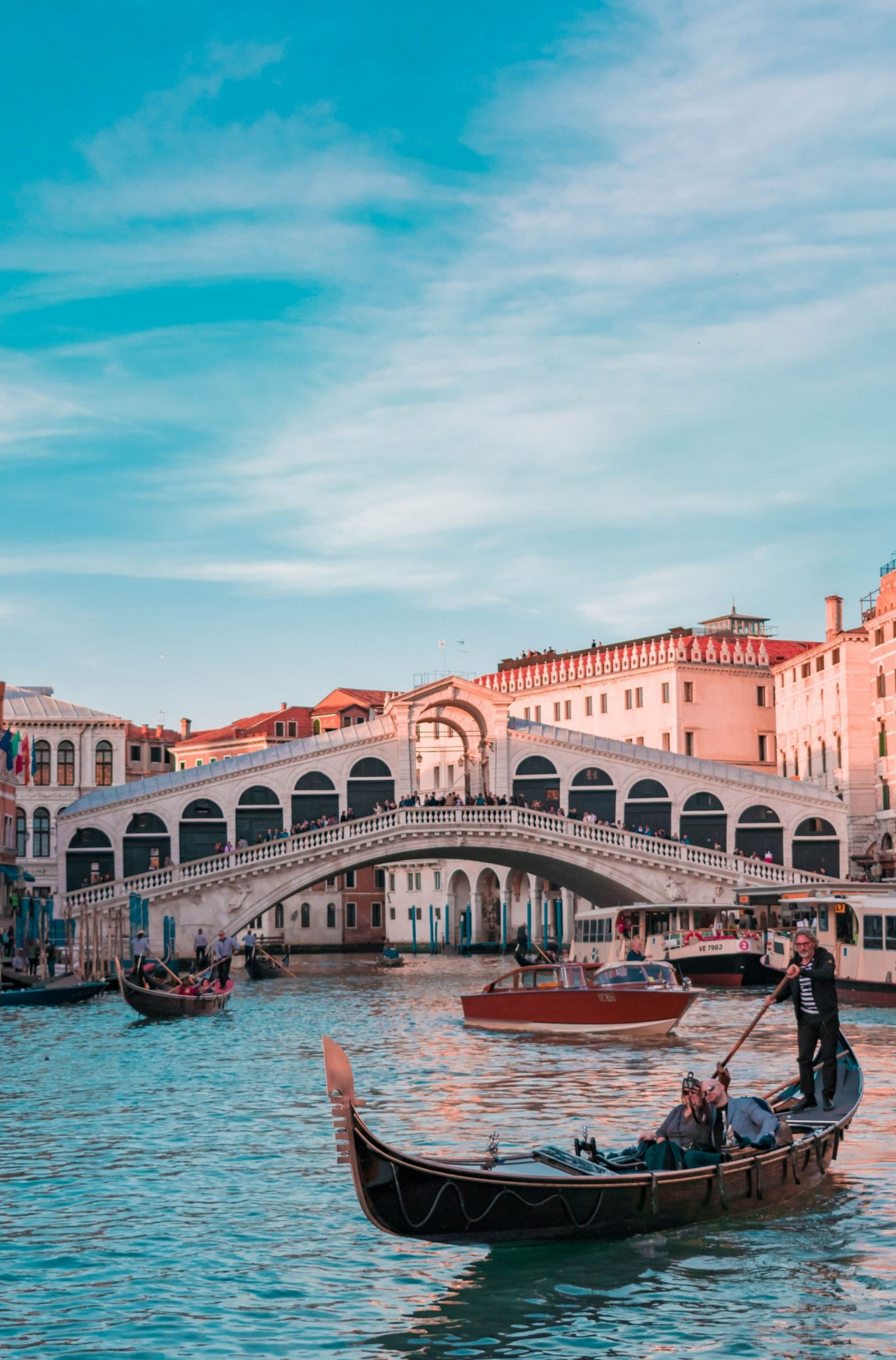 explore, venice, italy, canals, city trip, discover, travel