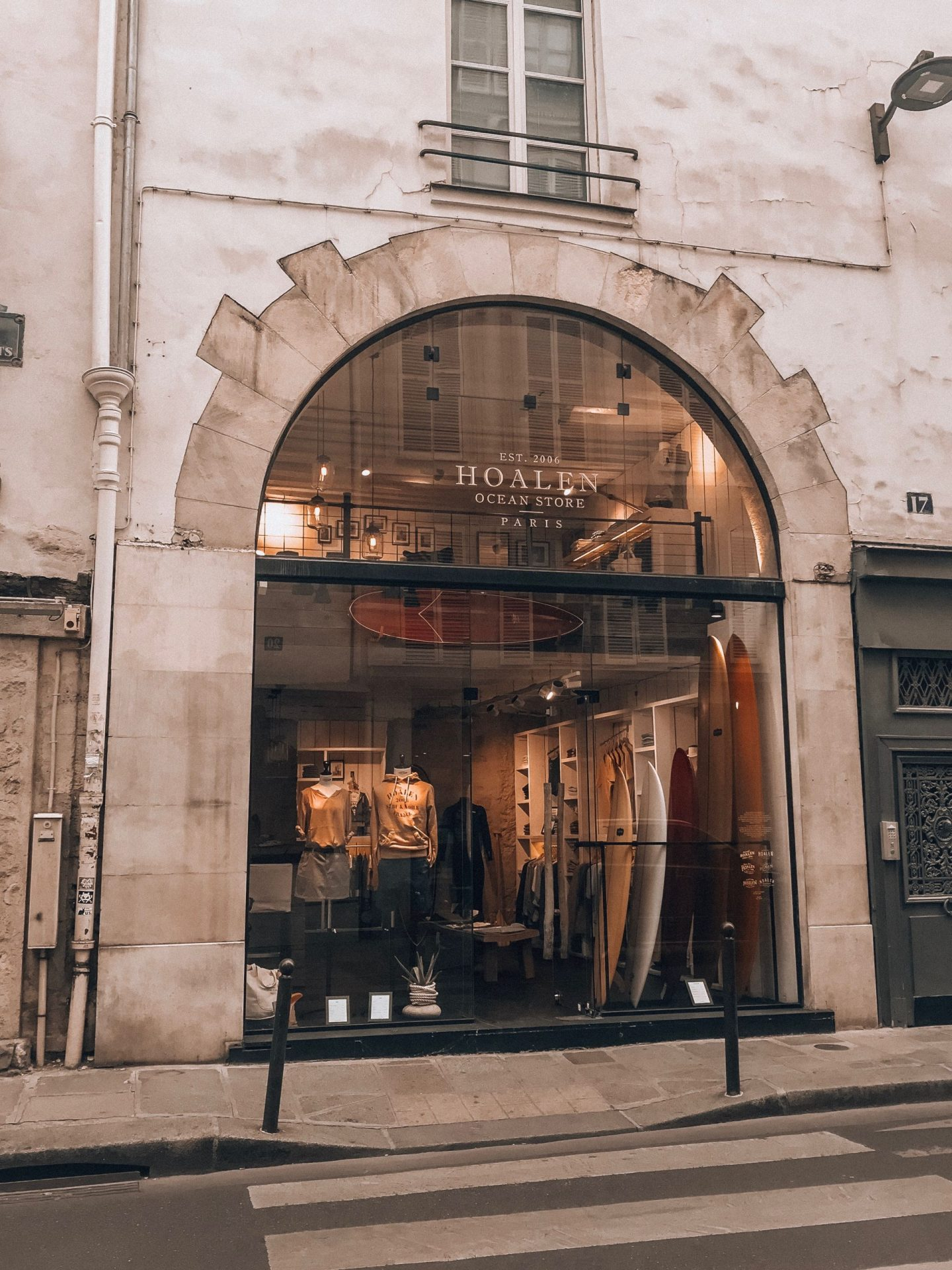 a shop in Paris, where to go when you are in Paris, things you can't miss when traveling to Paris, travel