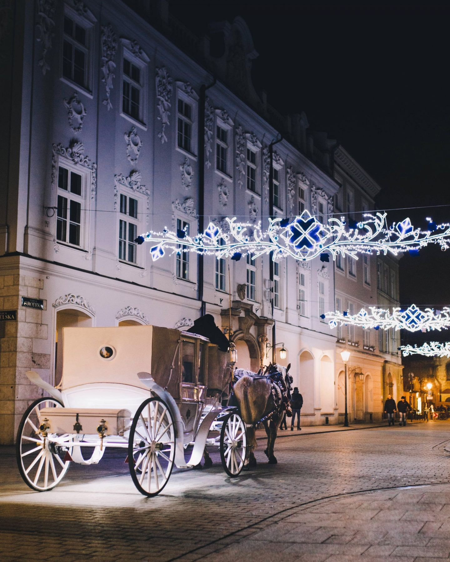 travel, inspiration, cities to visit during christmas, holiday season, where to go during christmas