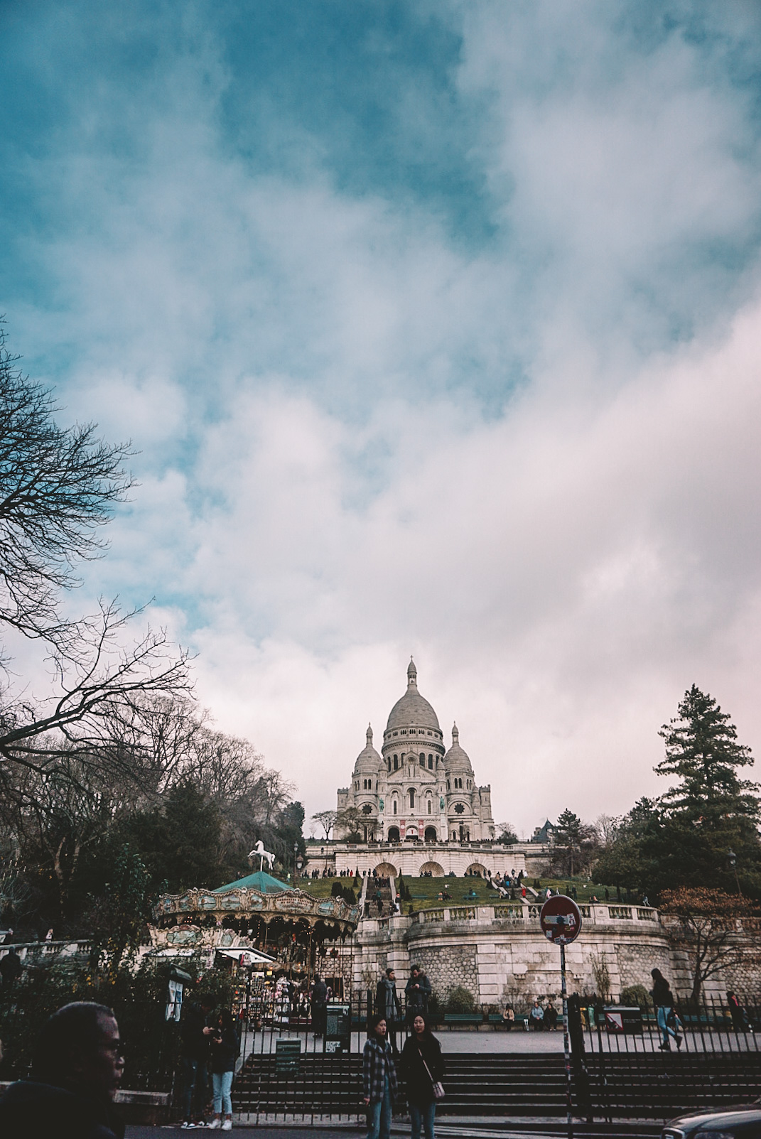 things to do in paris, bucket list experiences, paris city in france, the arrondissement montmartre, different things to do in neighbourhoods in paris