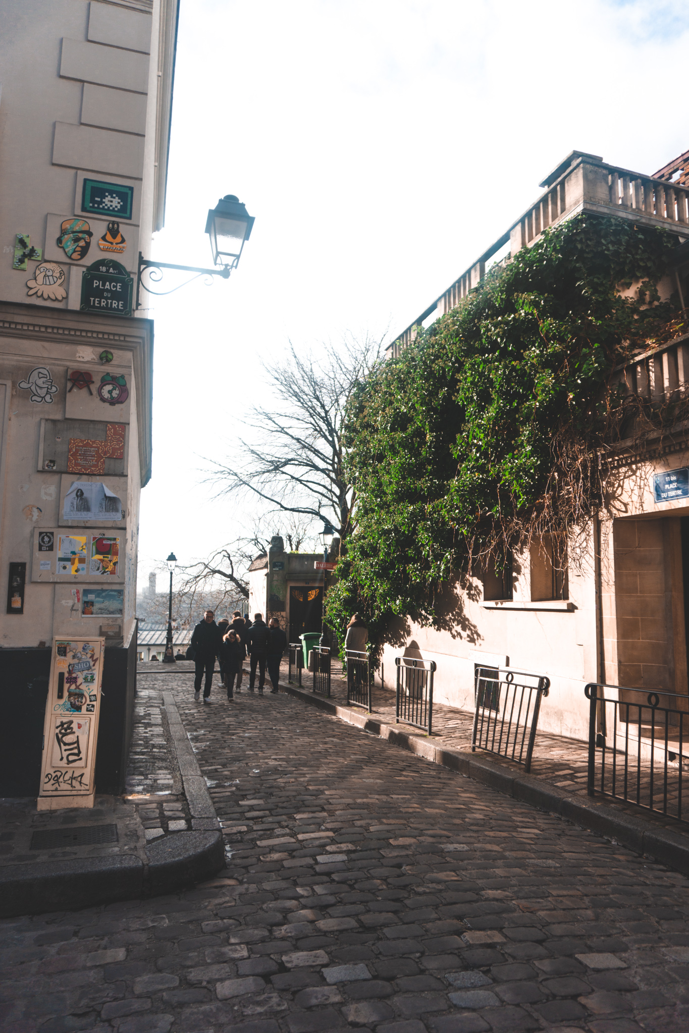 view in a street in montmartre, where to go in montmartre, paris guide, montmartre guide, where to stay in montmare