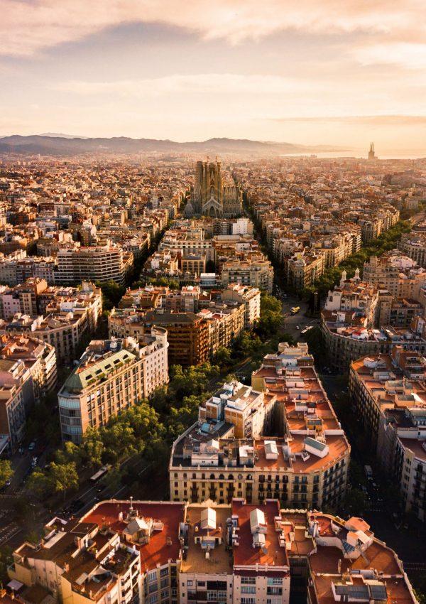 31 Barcelona Quotes, Instagram Captions & Puns!