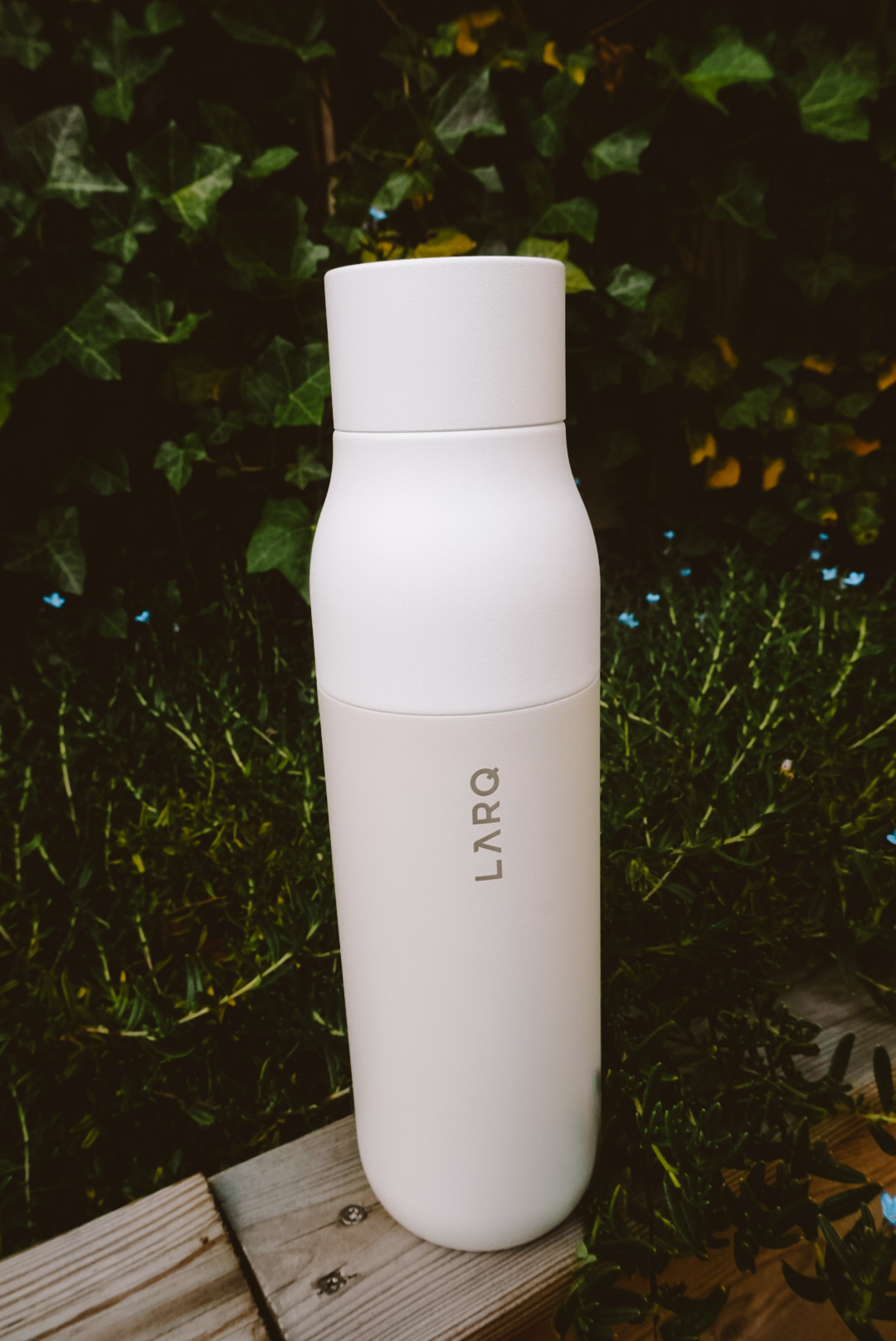 larq water bottle, purifying water bottle, water filtering bottle