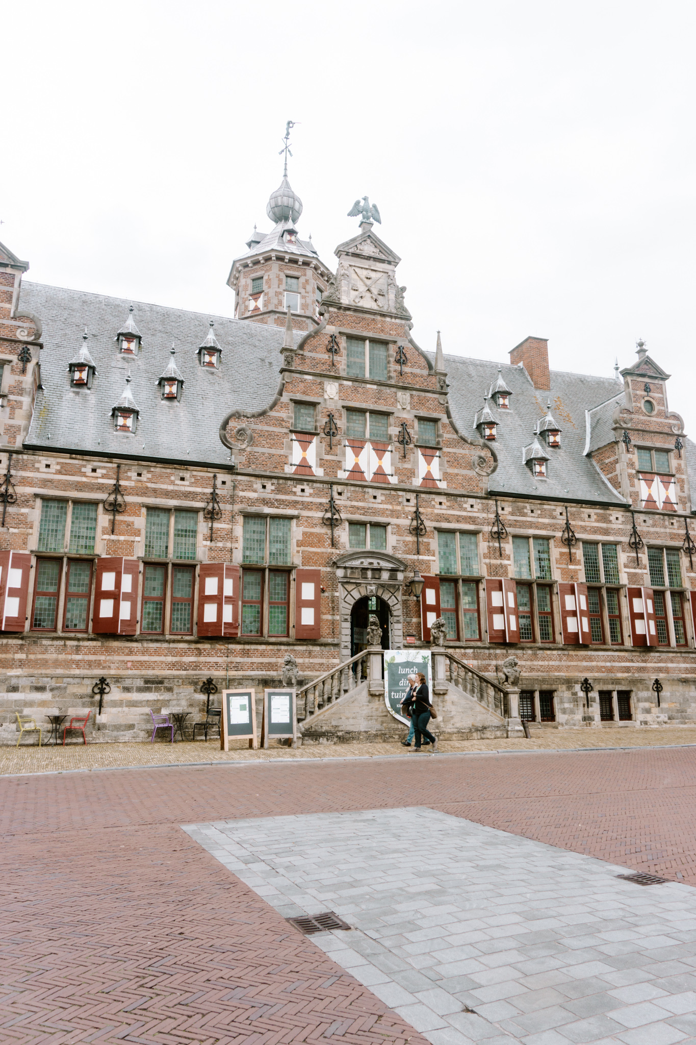 a large building in middelburg, restaurants, historic