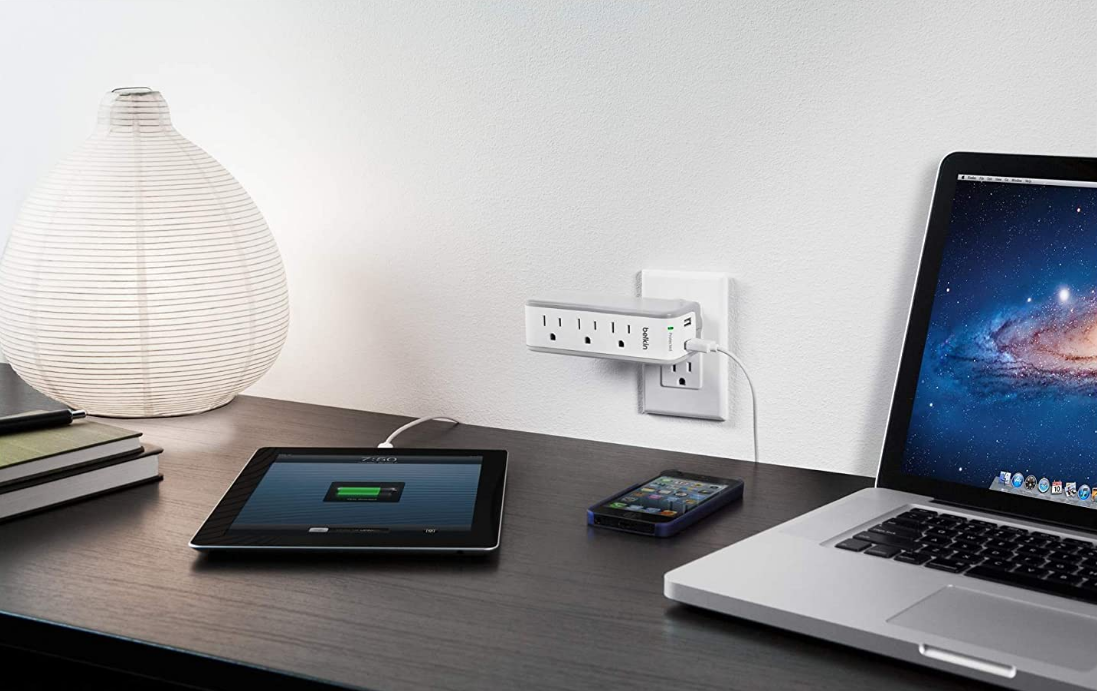 a travel charger with 3 usb outlets, gift idea, holiday gift guide